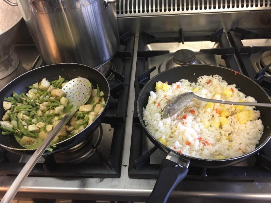 Dinsdag 29/8: Groene kipcurry met ananas rijst